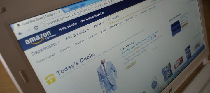 Achiziție online de pe Amazon