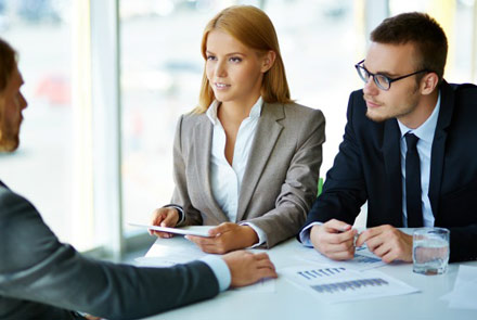 7 lucruri pe care trebuie să le spuneți la un interviu de angajare