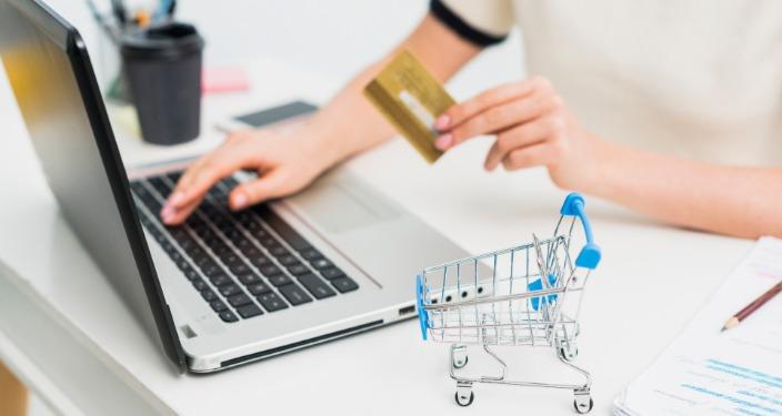 achiziție online prin plata cu cardul