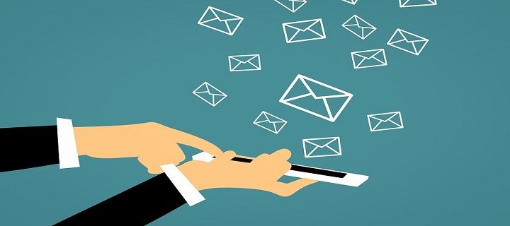 trimiterea e-mail-urilor comerciale